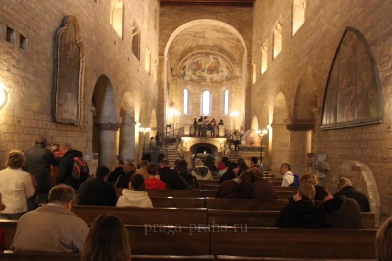 Базилика святого Иржи или Георгия 10