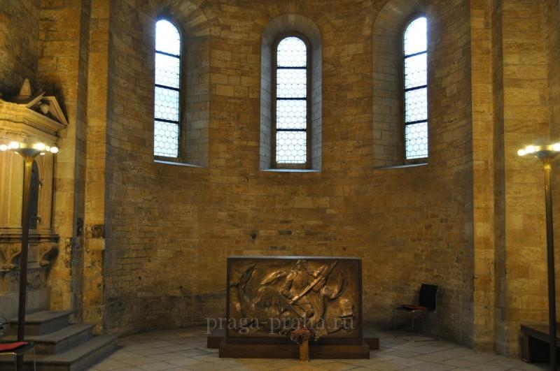 Базилика святого Иржи или Георгия 7