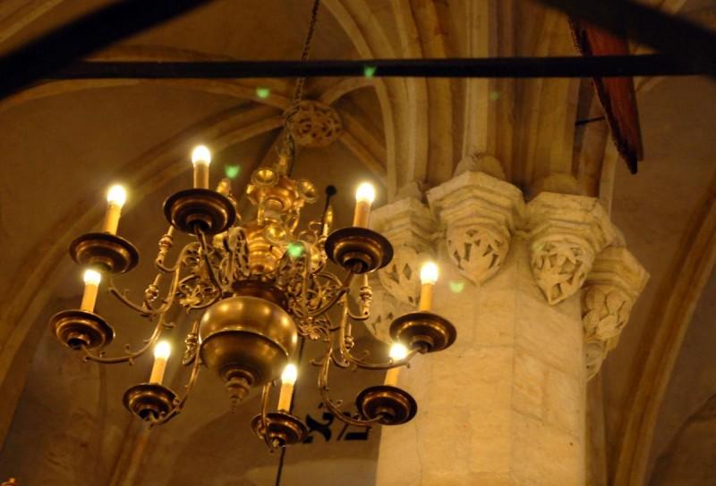 Староновая синагога в Праге - свечи