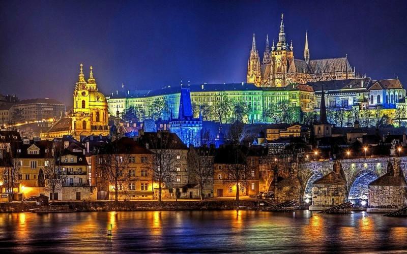 Новый год в Праге + Германия (включен предновогодний ужин)