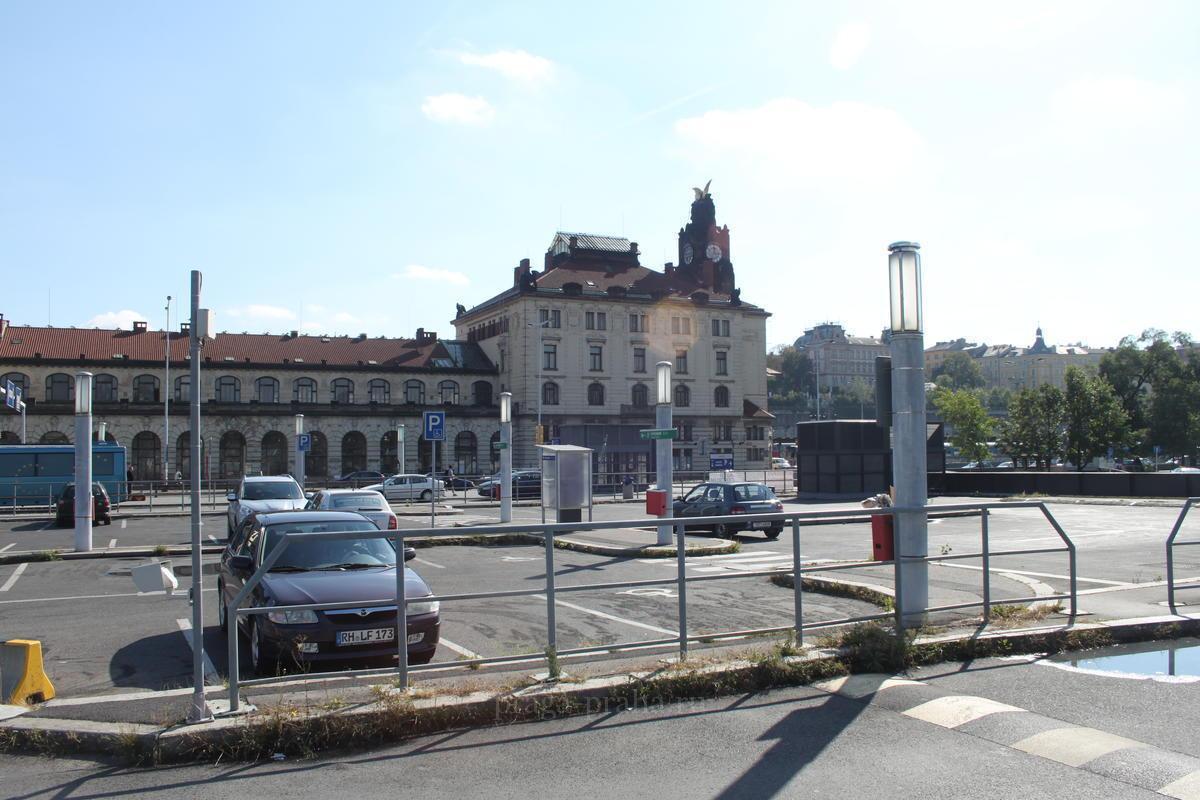 С какого вокзала город железнодорожный