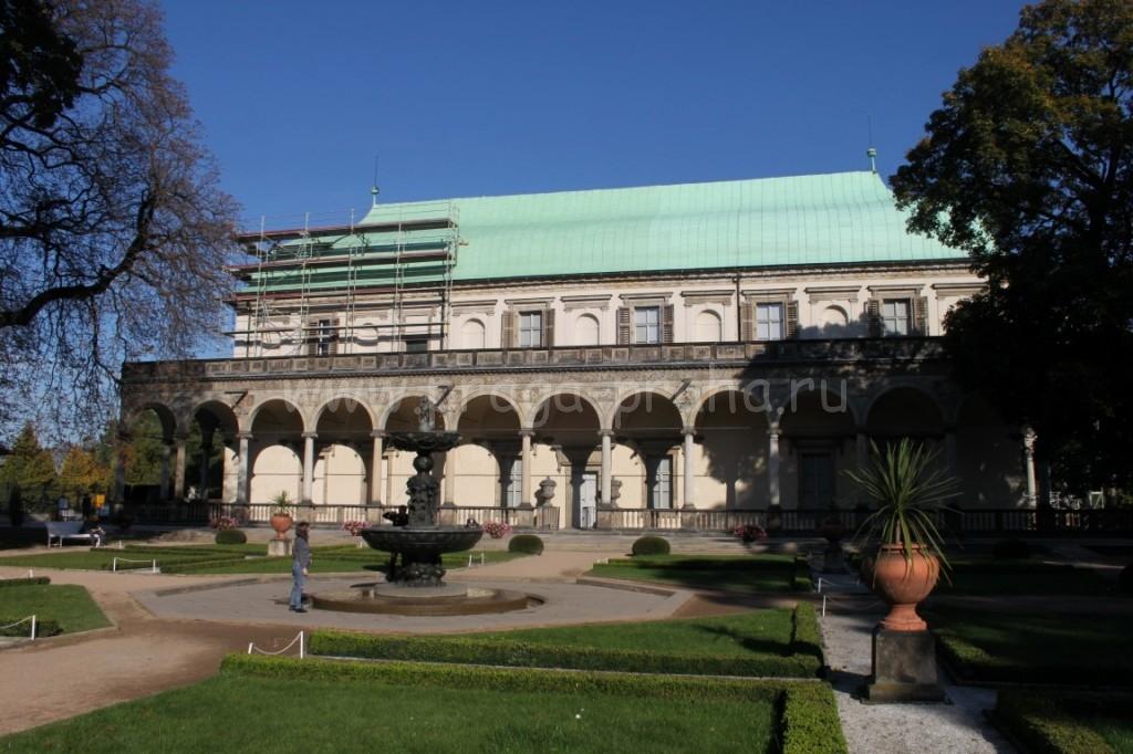 Летний дворец Анны
