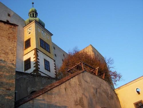 Замок Бухлов внутри