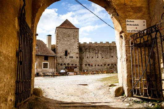 Замок Вевержи ворота