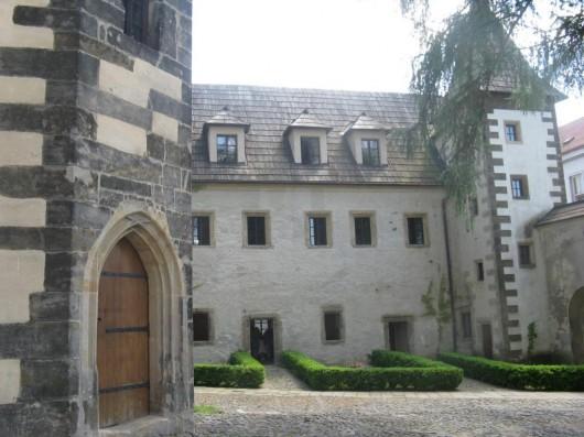 Замок Бенешов над Плучници - внутри