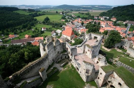 Замок Раби - сверху