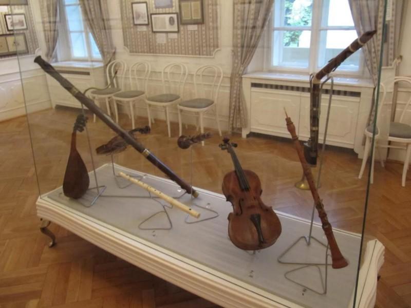 Музей Моцарта - инструменты