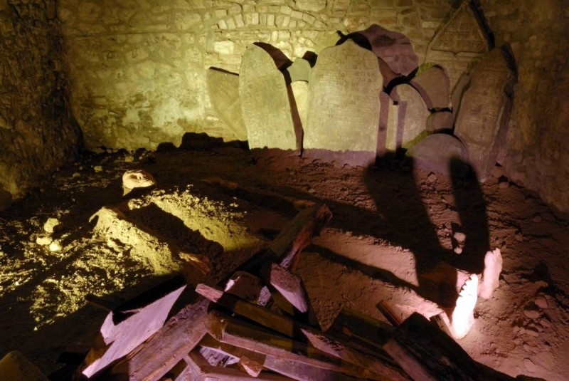 Музей призраков - кладбище