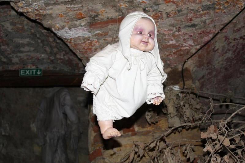 Музей призраков - младенец