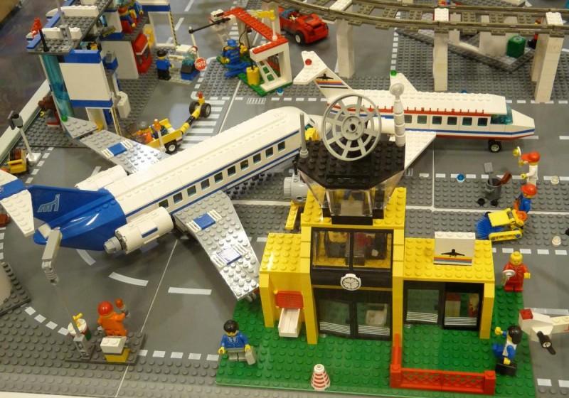 Музей Lego в Праге - космос