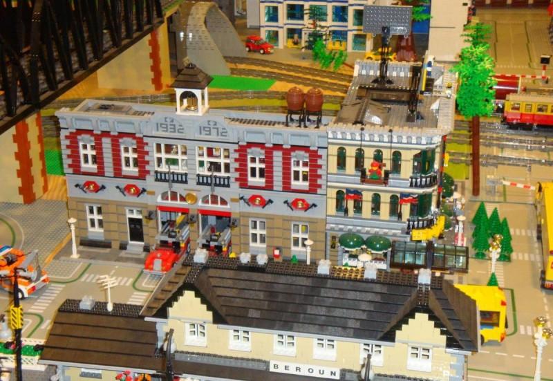 Музей Lego в Праге - пожарная станция