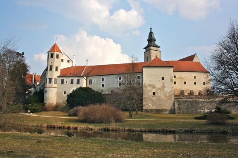 Тельчский замок