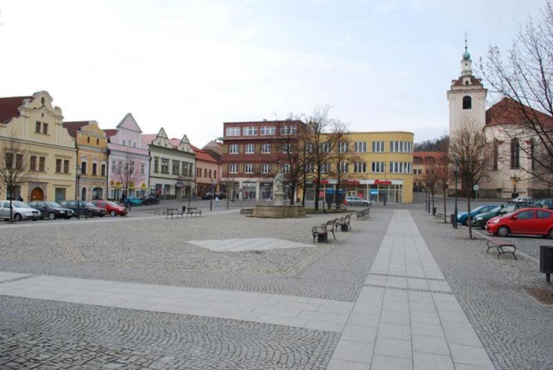 Гусова площадь