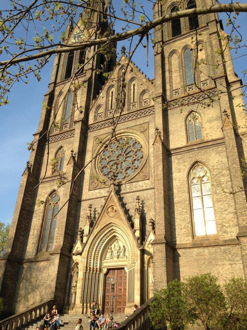 Костел Святой Людмилы 2