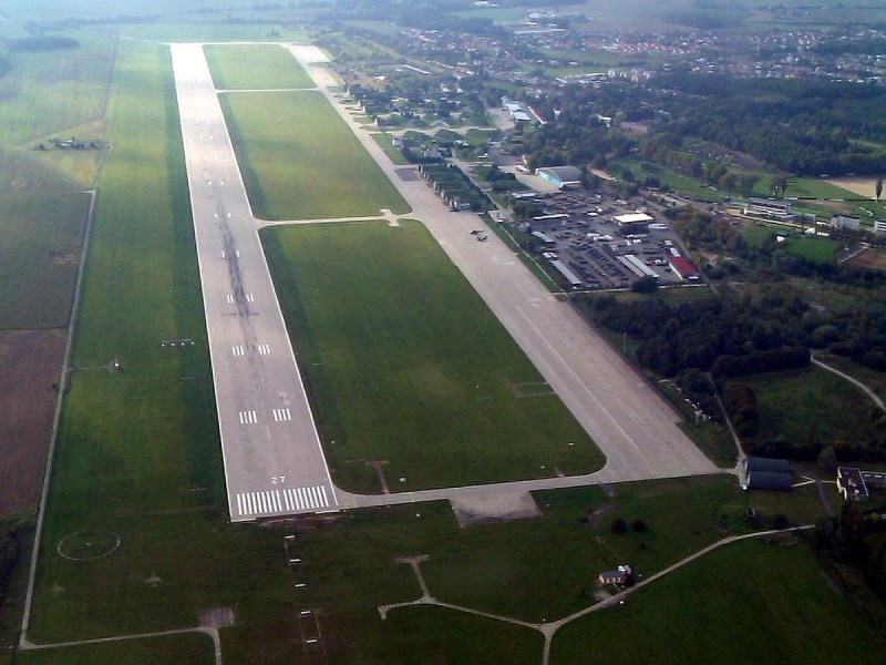 Аэропорт Пардубице 2