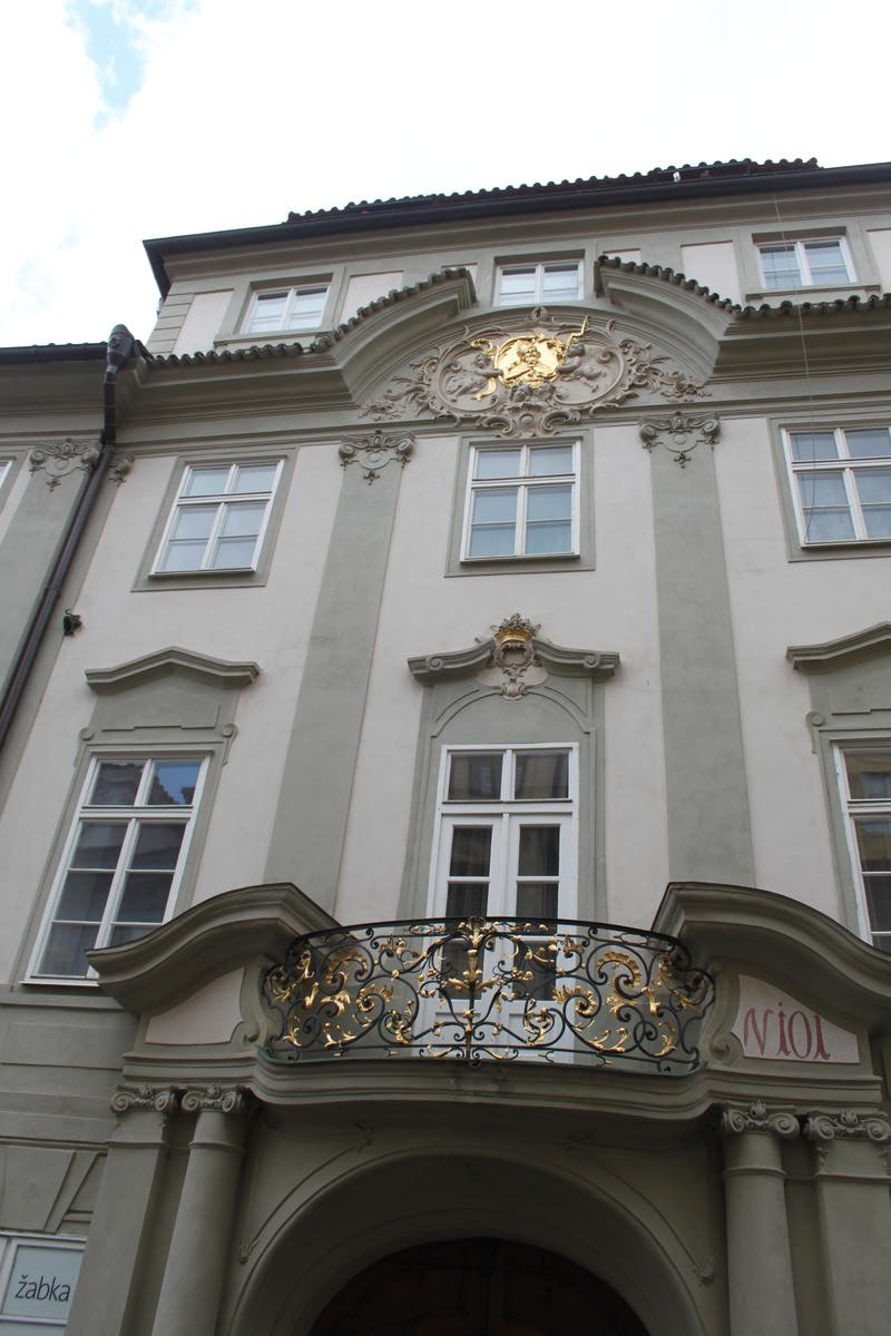 Bretfeldovský palác