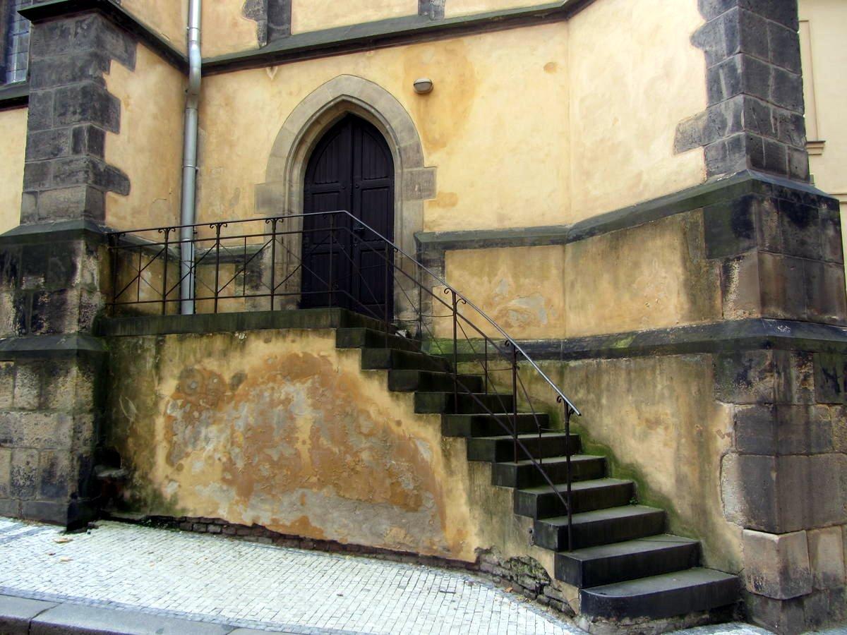 Церковь св аполлинария на ветрове