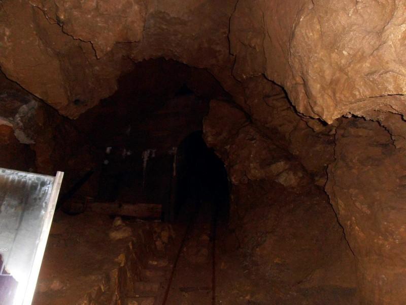 Бозковские доломитовые пещеры 3