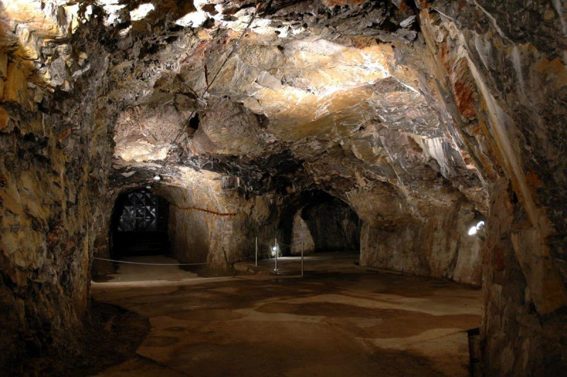Пещера Выпустек 5