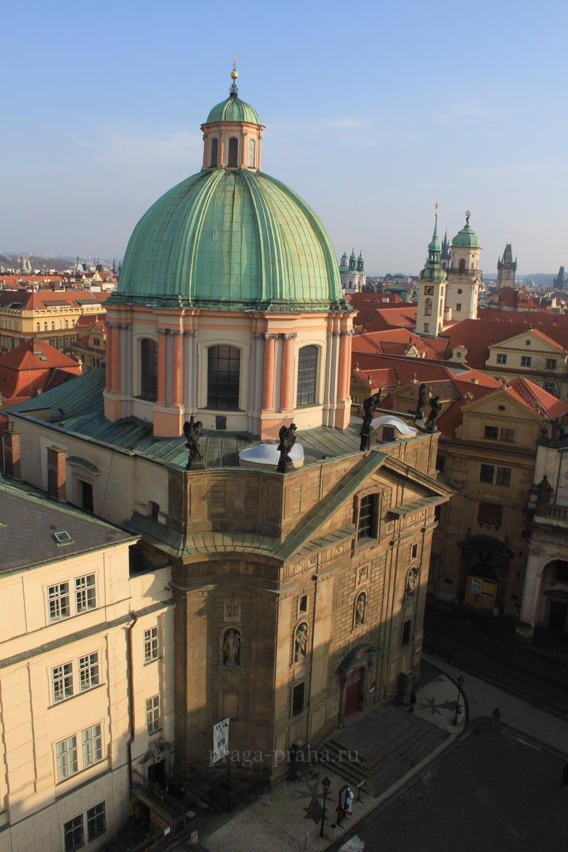 Храм святого Франциска Ассизского в Праге 2