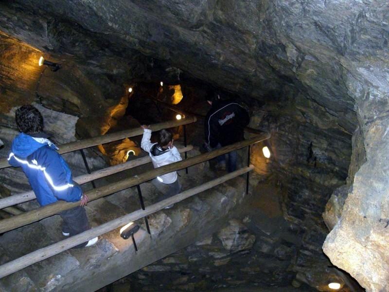 Хыновска пещера 7
