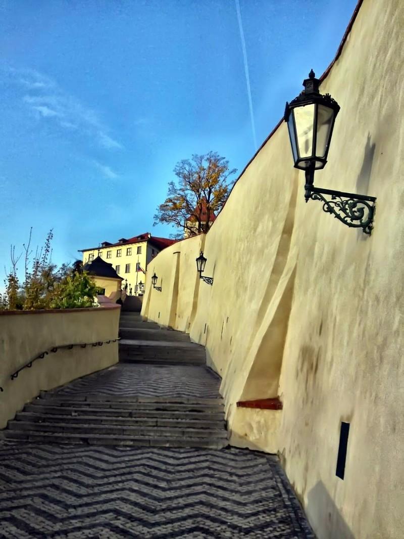 Старая замковая лестница 3