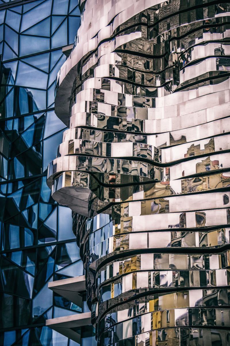 Скульптура Франца Кафки 2