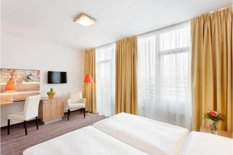 Hotel Akcent 3