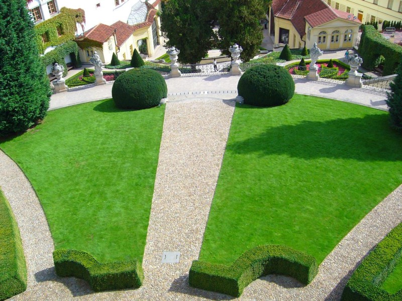 Вртбовский сад 4