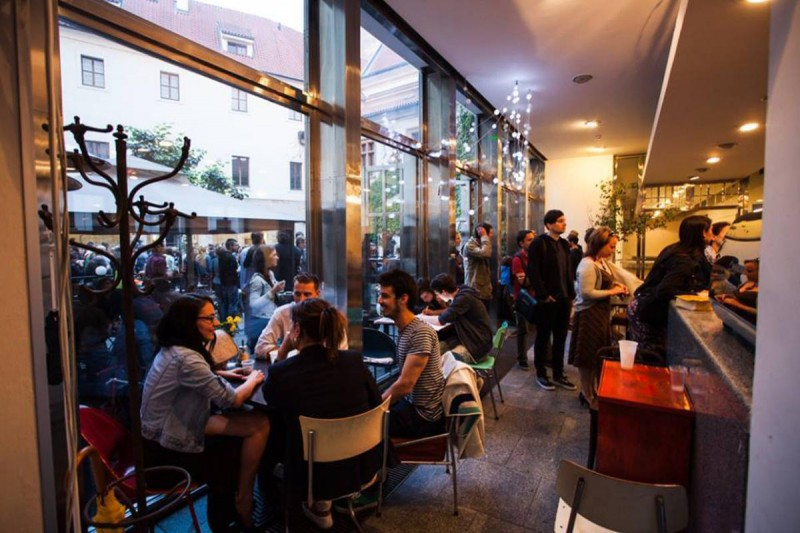 Клуб Café Neustadt 5
