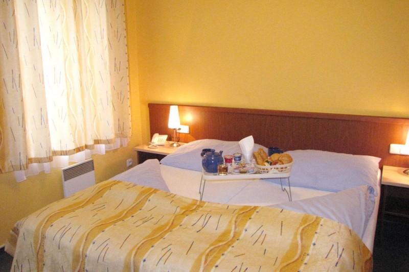 Aparthotel Austria Suites 3