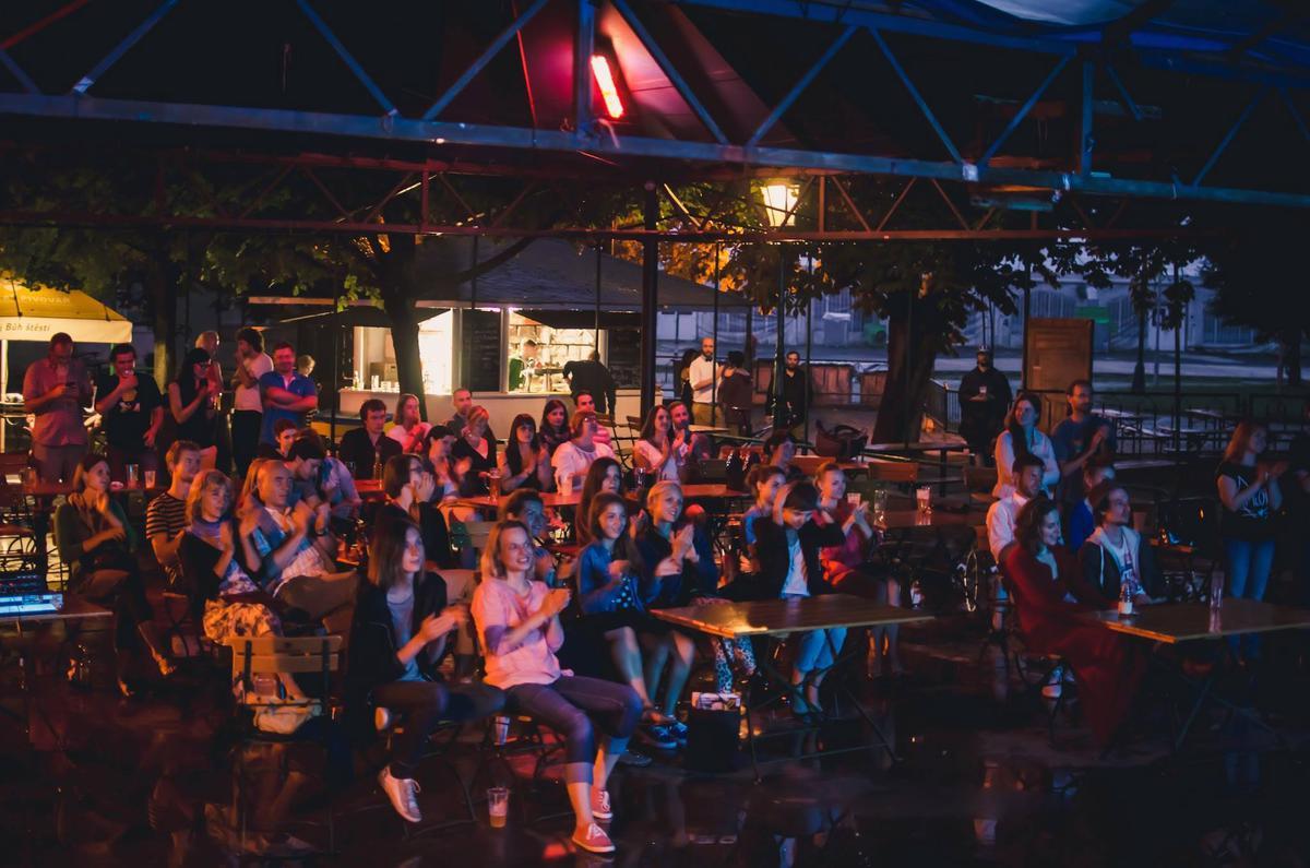 Свингер вечеринки в праге 4 фотография