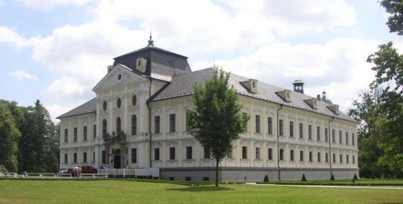 Замок Краварже 9