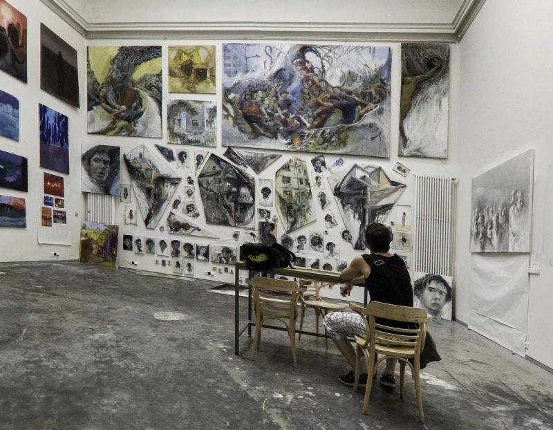 Академия изобразительных искусств в Праге 5