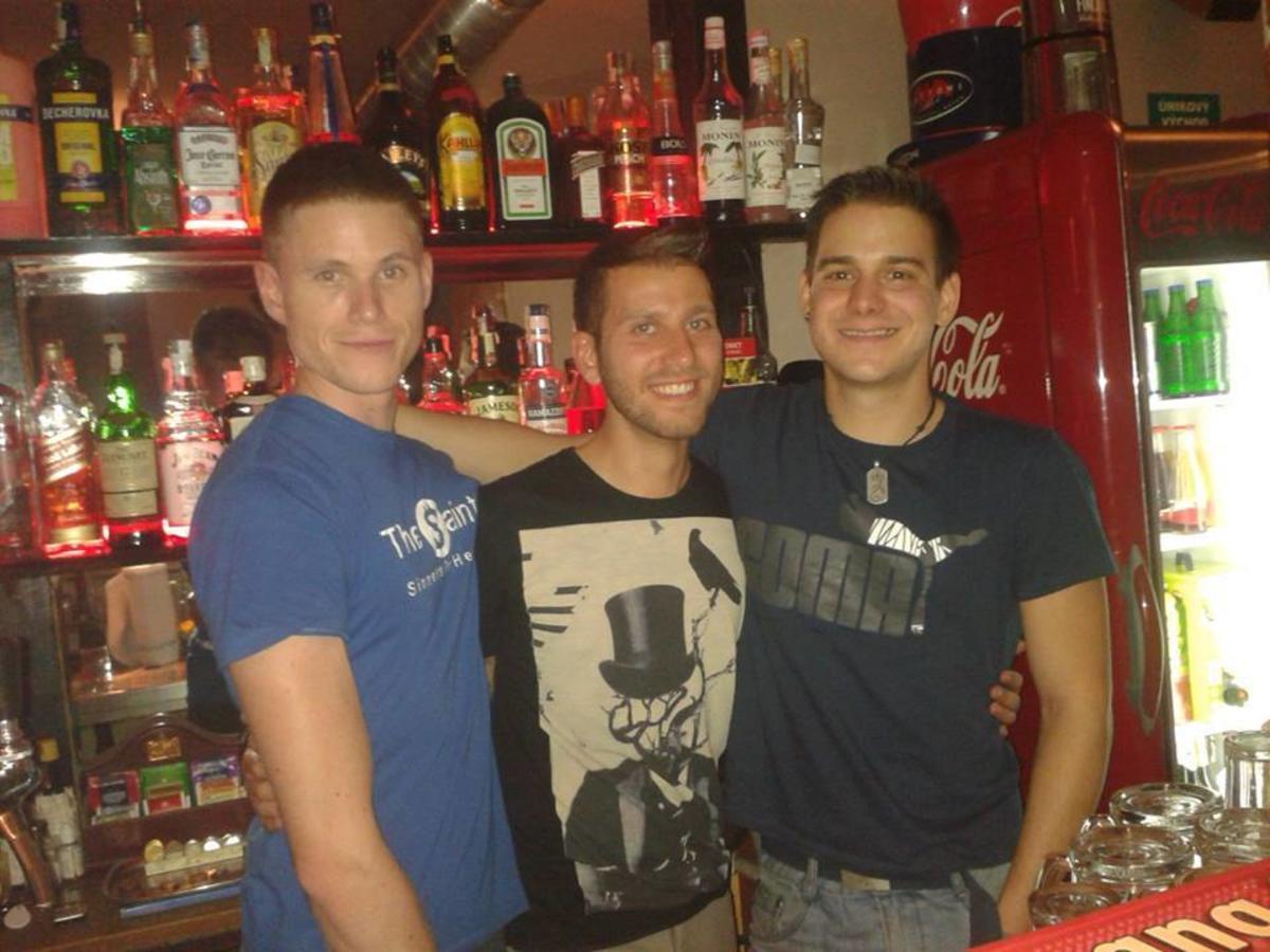 gey-klubi-pragi