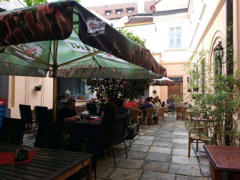pivnaya-zephyr-excelent-urban-pub-4